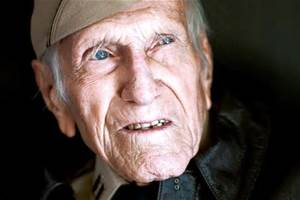 Louis Zamperini F